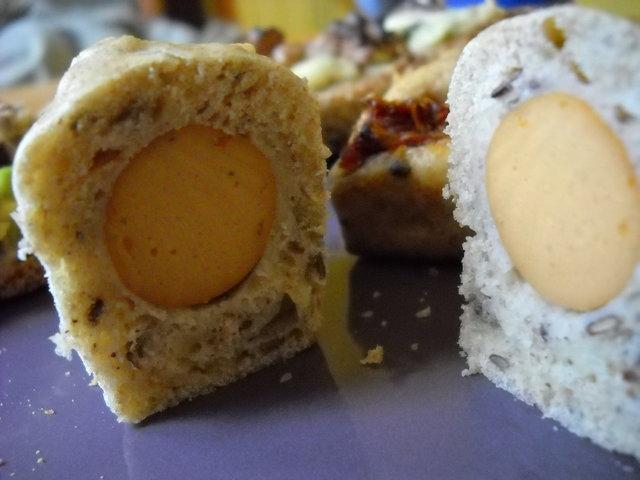 Minis cakes aux saucisses végétales