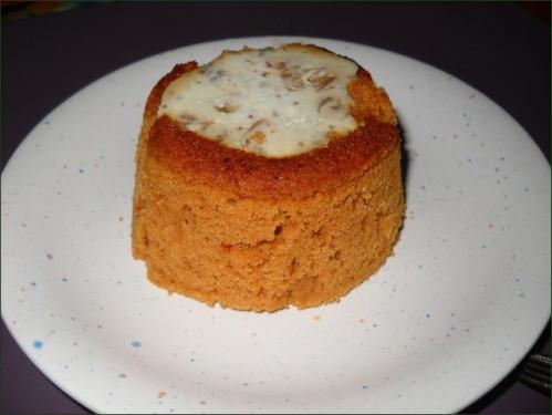 Charlotte de pain d'épices au roquefort et aux fruits secs.