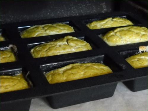 Flans aux haricots verts sortant du four