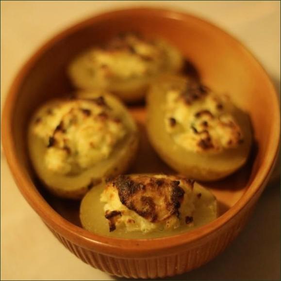 Pommes de terres farcies au fromage ail et fines herbes vegecarib 973