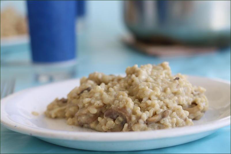 Risotto aux champignons et purée d'amande, très facile en cocotte minute (vegan)