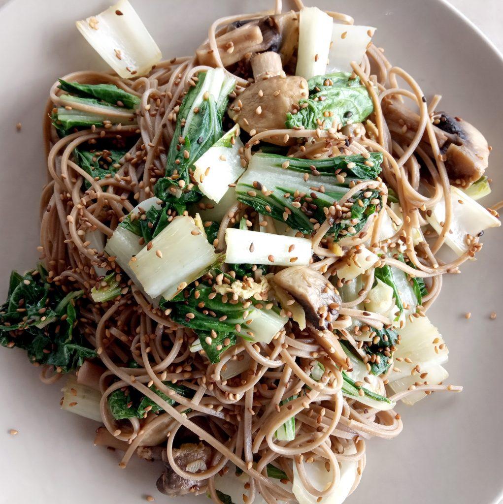 Pota (bok choy) et champignons au sésame